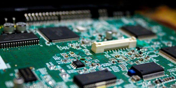 electronics-4972649_1280